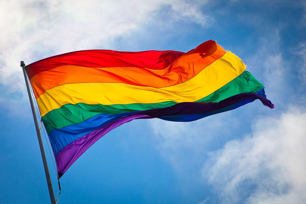 1280px-Rainbow_flag_breeze
