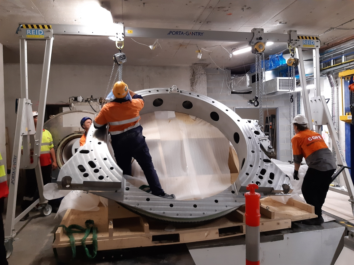 The 5-tonne magnet for the MRI-Linac machine